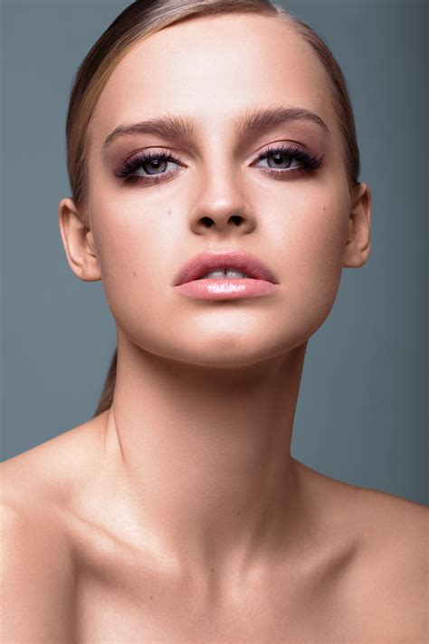 karolina pisarek secret lashes campaign expositivopl