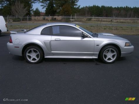 2001 mustang gt silver metallic 2001 ford mustang gt coupe exterior photo