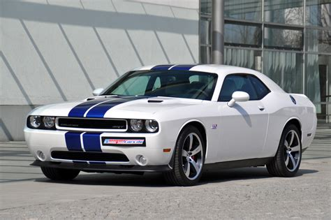 2011 dodge challenger rt 20 quot challenger srt 2011 dodge challenger srt8 392 inaugural edition arrives