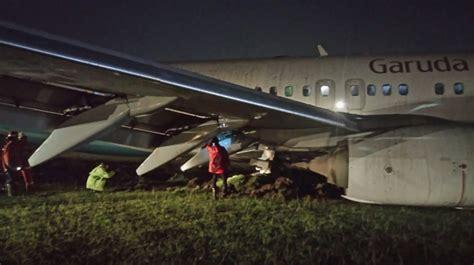 air asia yogyakarta airport garuda b738 overran runway on landing at yogyakarta