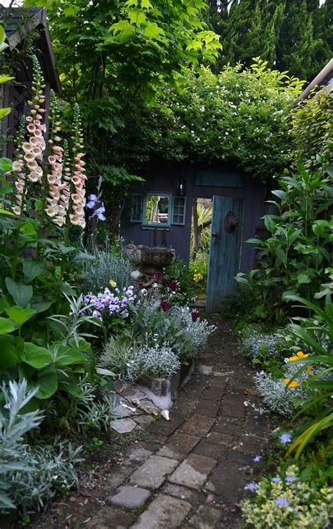 Artistic Gardens by Best 25 Secret Gardens Ideas On Garden Ideas