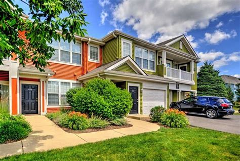 Glenmuir Luxury Rental Homes Glenmuir Of Naperville Apartments Naperville Il 60564