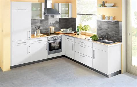 What Is The Best Flooring For A Kitchen by Choose The Best Flooring Options For Kitchens Homesfeed