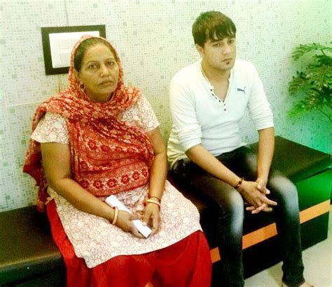 sapna choudhary and husband sapna choudhary haryanvi dancer age caste boyfriend