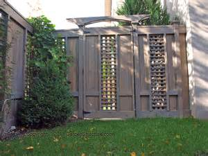 Privacy Fence With Trellis Staging Decorating On The Cheap A Privacy Fence