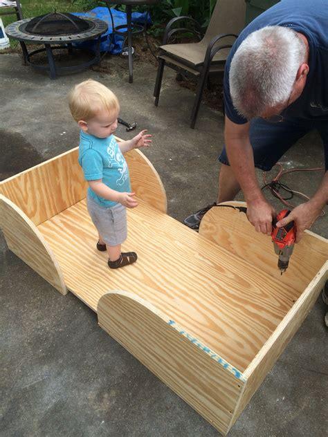 easy diy toddler bed   diy toddler bed toddler