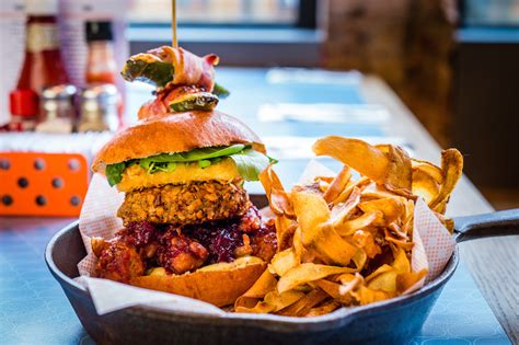 bird restaurant bird s dinner in a burger we the food snobs