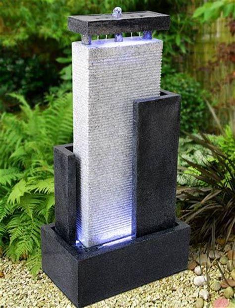 Gartenbrunnen Stein Modern by Garten On