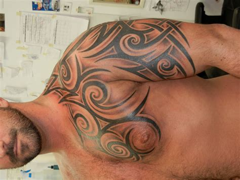 tribal tattoo shaded shaded tribal shoulder tattoos for photo 4 2017