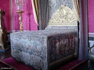 ch 226 teau de versailles le lit du roi dans le salon de mercure