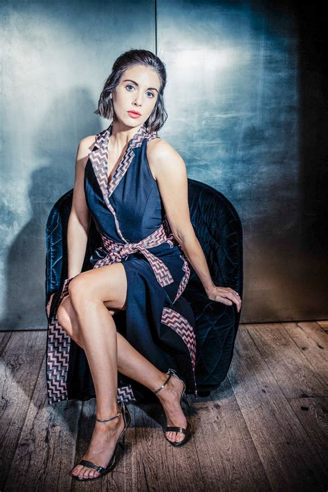 alison brie workout alison brie workout tips bio family career healthy