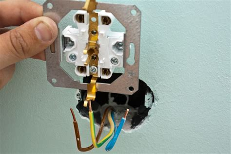 install electrical outlet how to wire and install an electric outlet