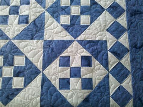 2 Color Quilt Blocks by 25 Best Ideas About Two Color Quilts On Quilt