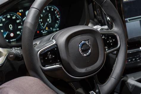 Volvo Suv Interior Behold The Elegant Simplicity Of The Volvo Xc60 The Verge