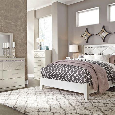 Dreamur Bedroom Set by Dreamur Chagne Panel Set