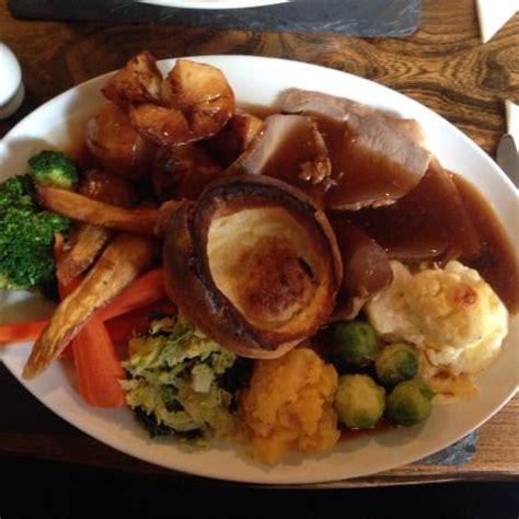 great dinner great roast dinner picture of saracen s inn bar