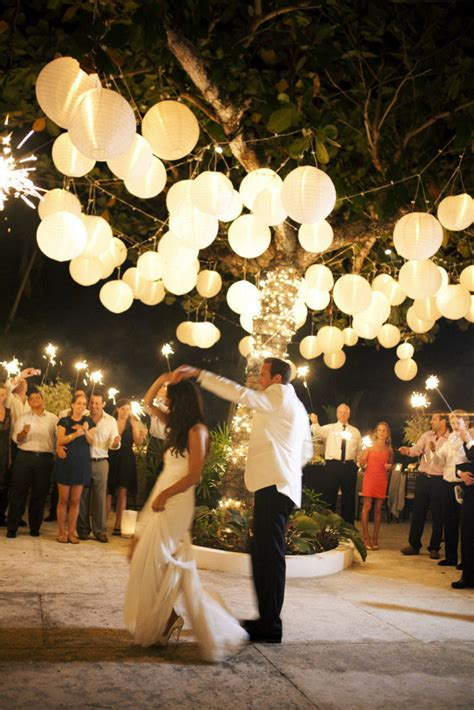 Outdoor Wedding With Lights 10 Outdoor Wedding Twinkle Lights