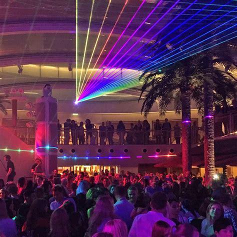 Club Aida Prima by Kreuzfahrt Aidaprima F 252 R Junge Leute