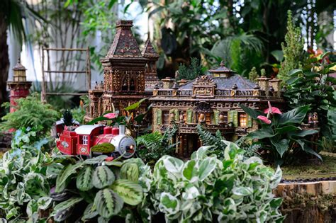 9 Holiday Attractions In Nyc That You Need To Check Out Botanical Gardens Nyc Hours