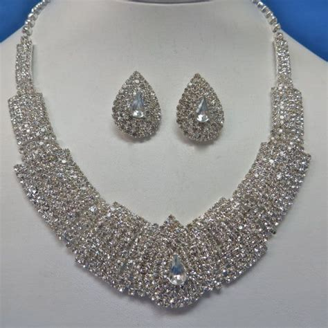 how to make rhinestone jewelry rhinestone pearl necklace pearl bridal jewelry