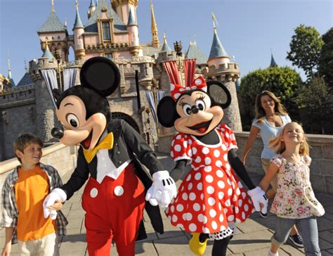 book your 2018 vacation package 2018 disneyland vacation packages are now available to book