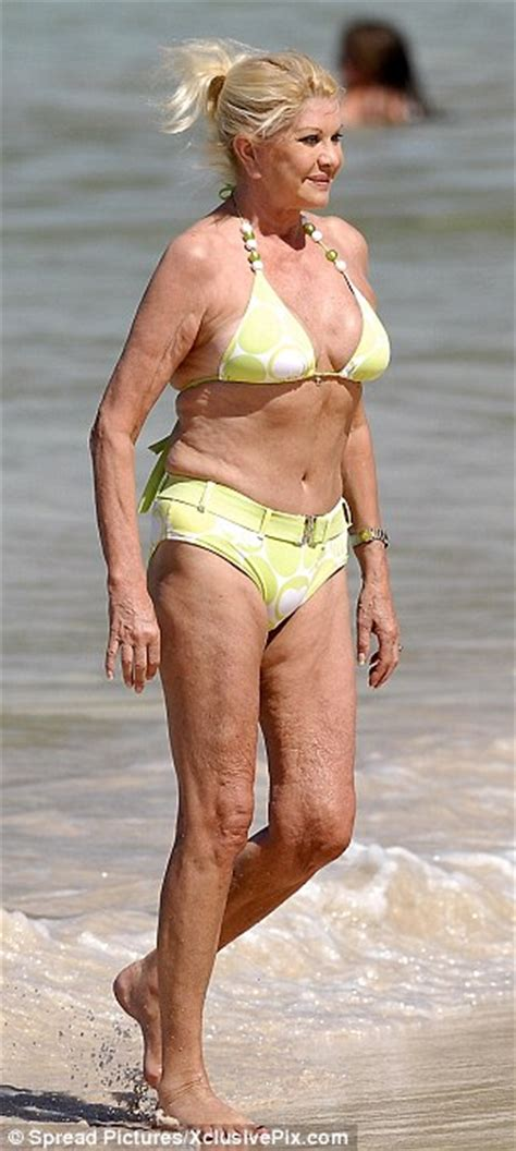 pictures of average 62year old women ivana trump 62 years old bikini body celebrities beauty