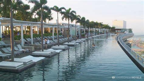 casino boat wi luxury hotel marina bay sand hotel singapour china
