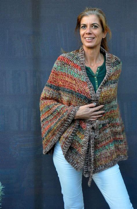patrones de ruanas a crochet las 25 mejores ideas sobre capas tejidas en pinterest y