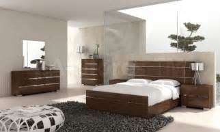 New Bed Room Set Modern 5 Pc Bedroom Set In Walnut Bed 2 Nightstands Dresser And Mirror Modern