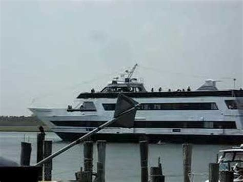 party boats freeport new york nautical empress a big boat in a small channel youtube