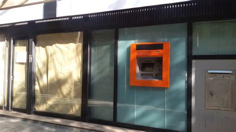 cierre oficinas catalunya caixa ni el caos frena el cierre de oficinas de bbva y cx sec