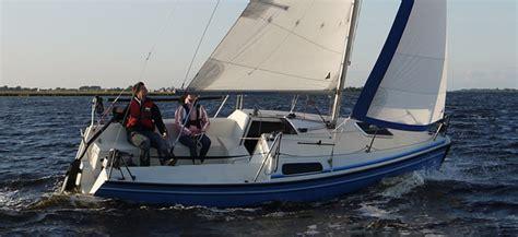 zeilboot fox 22 fox 22 kajuit zeilboot uitgeest botentehuur nl