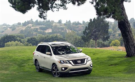 nissan pathfinder 2018 nissan prices 2018 pathfinder at 30 790 roadshow