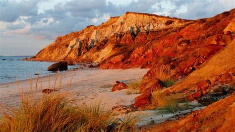 nature head cliffs vineyard massachusetts beaches