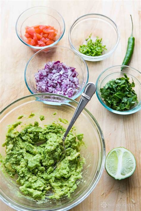 how to make perfect guacamole recipe simplyrecipes com