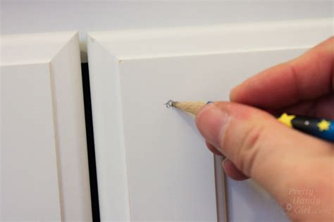 Cabinet Door Knob Location How To Install Knobs On New Cabinet Doors And Drawers Pretty Handy