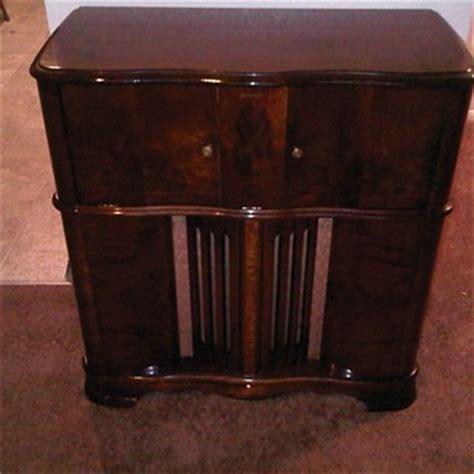 rca victrola record player radio cabinet rca victrola record player cabinet bar cabinet