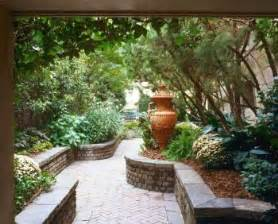 Design Ideas For Small Gardens Small Garden Landscape Ideas Photograph Small Garden Ideas