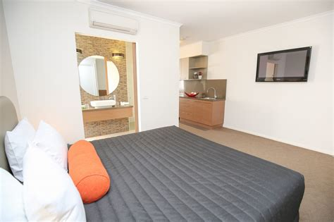 large one bedroom apartments one bedroom apartment indulge apartmentsindulge apartments