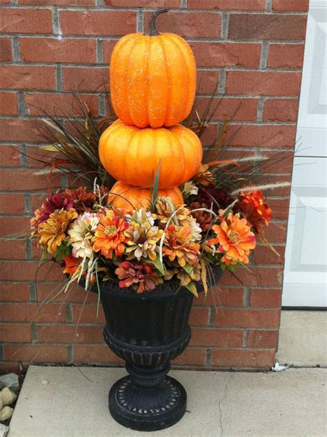 more fall decorating ideas 19 pics simple outdoor urns fall decor fall urns
