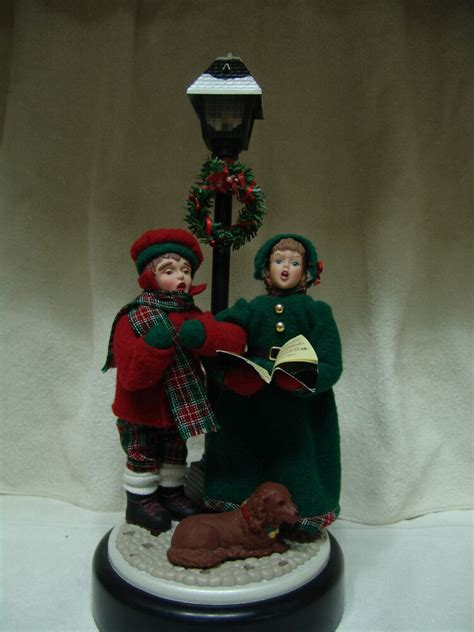 christmas cordation vintage musical w lighted l post 2 carolers creations 1993 ebay