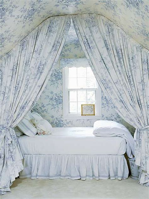 How To Decorate An Attic Bedroom by Attic Bedroom How To Decorate Attic Bedrooms Decorated