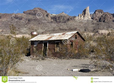 abandoned shack in desert stock photo image 9489858