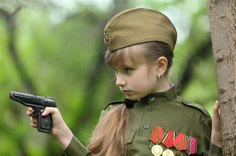 converting tag pimp 俄罗斯长腿小萝莉扮成苏军玩军装秀 网易军事