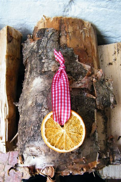a simple orange slice christmas decoration dried flower