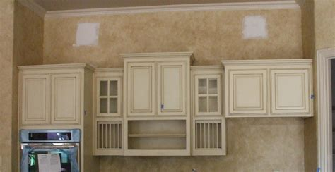 white glazed kitchen cabinets beige glazed kitchen cabinets quicua com
