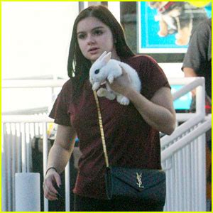 ariel winter s cheeky v day selfie with boyfriend levi ariel winter shares cheeky photo for valentine s day with