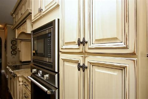 antiquing kitchen cabinets with glaze all home ideas and antique glazed cabinets antique glazed kitchen cabinets
