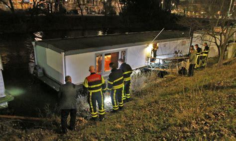 woonboot conradkade den haag 25 december brandweer controleert woonboot na losgeraakte
