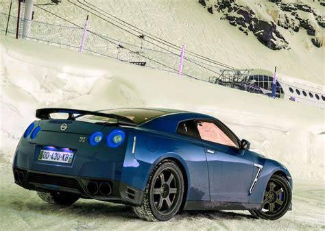 nissan skyline 2015 blue nissan gt r car pictures images gaddidekho com